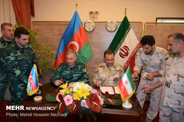 Iran, Azerbaijan sign border agreement