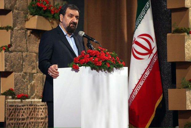 رضائي: باب الاقتصاد بات مفتوحا أمام الشعب الايراني لمواجهة الحصار المفروض عليه