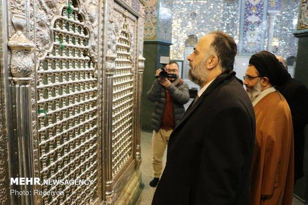 وزیر اوقاف سوریه در حرم مطهر حضرت زینب(س)