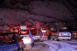 بارش شدید برف در تبریز/ برخی از محورهای شرق تبریز مسدود شد