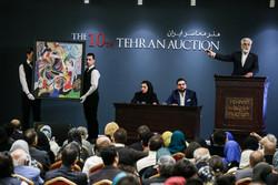 هنرمندان تاجر شدند یا تاجران علاقمند به هنر/ حراج تهران مقصر است؟