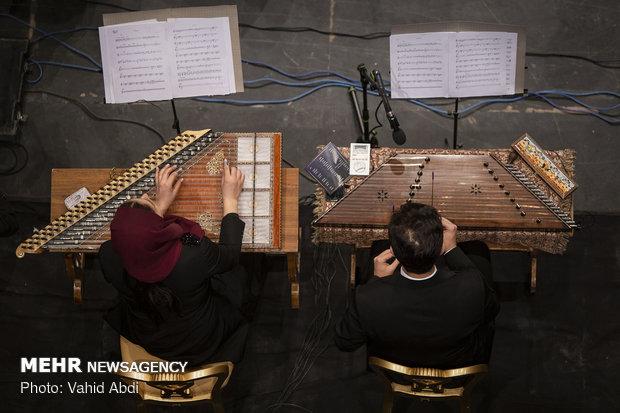 Iran's natl. orchestra performs in Tabriz