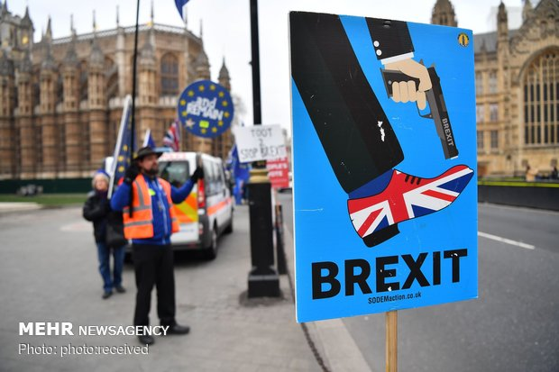 ادامه بحران برگزیت در انگلیس