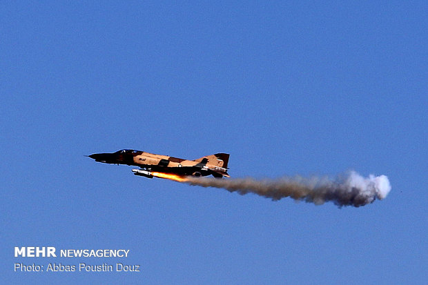 Final day of 8th edition of Fada'eeyan-e Harim-e Velayat air drills