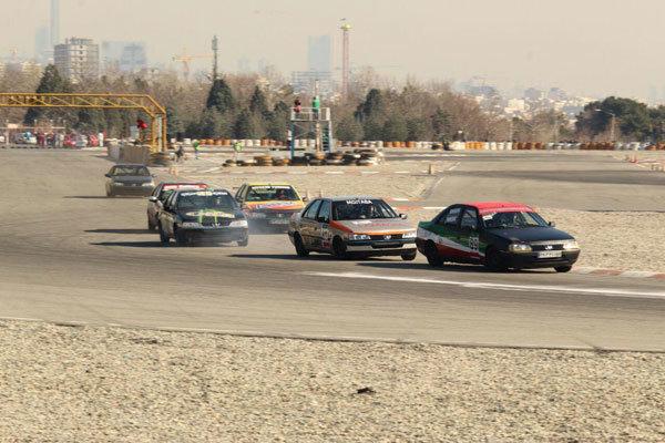 اتومبیلرانان رشته درگ فارس به مسابقات کشوری اعزام شدند