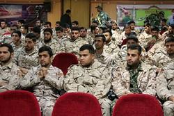 سربازان نمونه سپاه استان بوشهر تجلیل شدند
