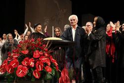 علی رفیعی ۸۰ ساله شد/ جشن تولدی برای خالق «قرمز دانه اناری»