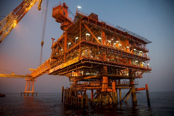 Last platform of SP phase 13 installed on offshore spot