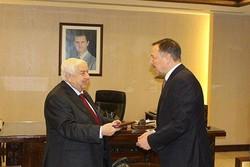 Rusya'nın yeni Şam Büyükelçisi Velid Muallim'le görüştü