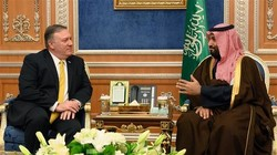 U.S. Secretary of State Mike Pompeo (L) meets with Saudi Crown Price Mohammed bin Salman at the Royal Court in Riyadh on January 14, 2019. (Photo by AFP)