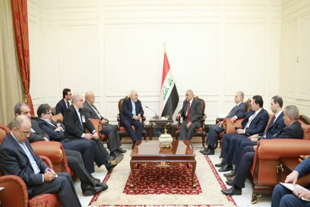 Zarif, Iraqi PM hold meeting in Baghdad