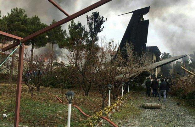 """تحطم طائرة من طراز """"بوينغ 707""""  في مدينة كرج غرب طهران"""