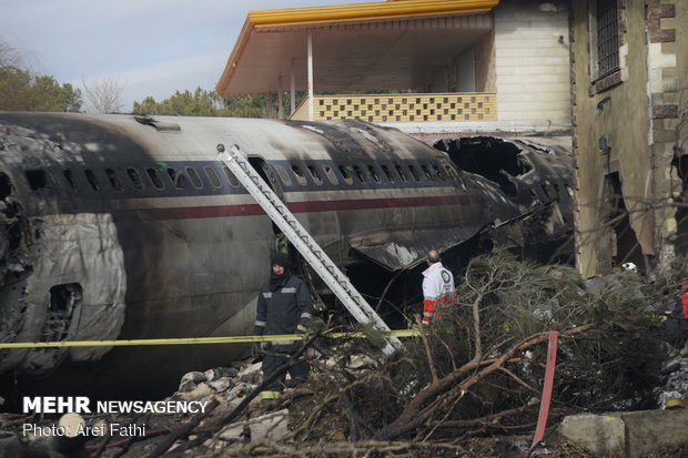 Fatal plane crash at Fath Airport in Karaj