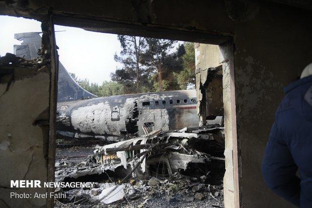 """مشاهد من حادث تحطم طائرة """"بوينغ 707"""" في غرب طهران-2"""