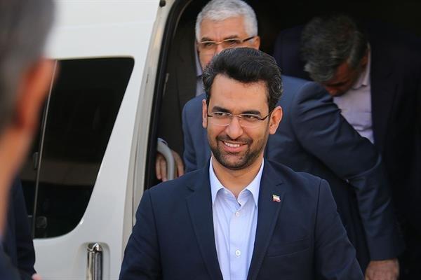 وزیر ارتباطات و فناوری اطلاعات وارد کردستان شد