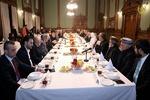 نماینده ویژه آمریکا در امور افغانستان با اشرفغنی دیدار کرد
