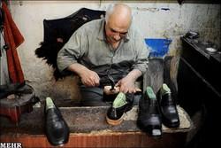 خم شدن کمر تولیدکنندگان کفش زیر بار واردات /چراغ کارگاههایی که خاموش شد
