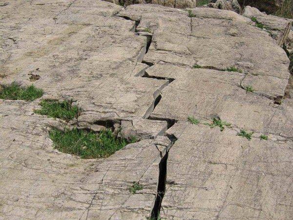 ۱۶۲ روستای استان زنجان روی گسل زلزله قرار دارند