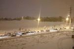 بارش شدید برف در تبریز/ مردم در برف گیر افتادند