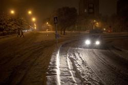 Tebriz'de kar yağışı ulaşımı olumsuz etkiledi