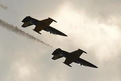 بمباران شدید مواضع تروریستها در حومه حماه از سوی جنگنده های سوری و روسی