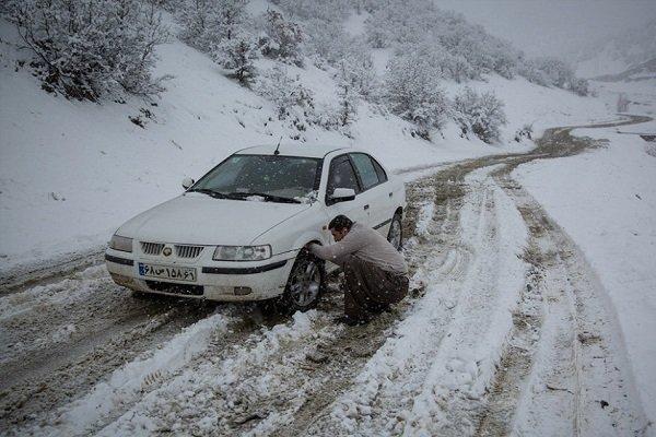 تردد در گردنههای کوهستانی خراسان شمالی با زنجیر چرخ ممکن است