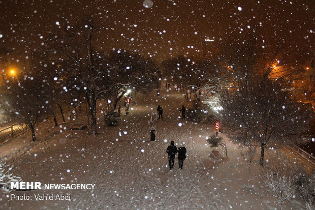Tabriz lies under snow blanket