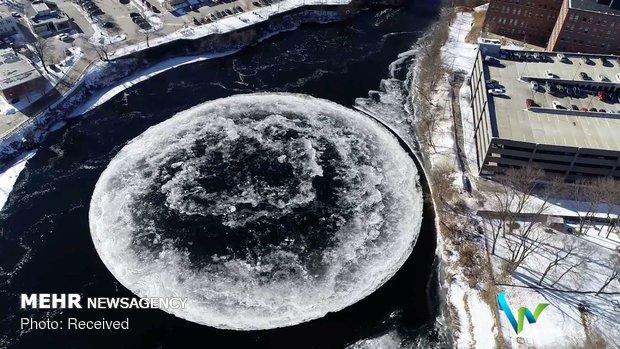 دایره یخی روی رودخانه ای در آمریکا