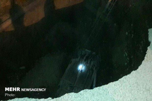 سقوط یک دستگاه پراید به درون کانال خیابان «ولیعصر» پلدختر