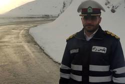 بارش برف در ارتفاعات هراز و فیروزکوه/ترافیک محور تهران سنگین است
