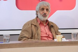 «تاکشو»های تلویزیون همجنسگرایانه است/هاشمی و روحانی ضدتاریخاند