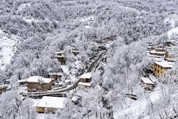 تاریخی گاؤں ماسولہ سفید پوش ہوگیا