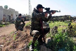 شامی فوج کا ادلب کے اطراف میں دہشت گردوں کے خلاف آپریشن جاری