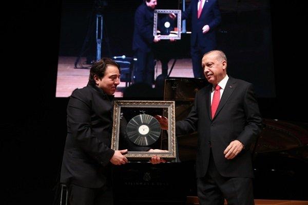 Cumhurbaşkanı Erdoğan Fazıl Say'ın konserini izledi