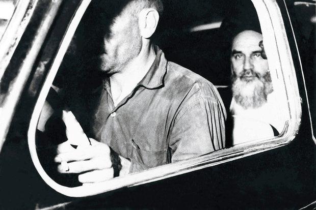 خاطره رهبرانقلاب از دیدار با امام پس از ۱۵سال؛ اشکهای بیاختیار