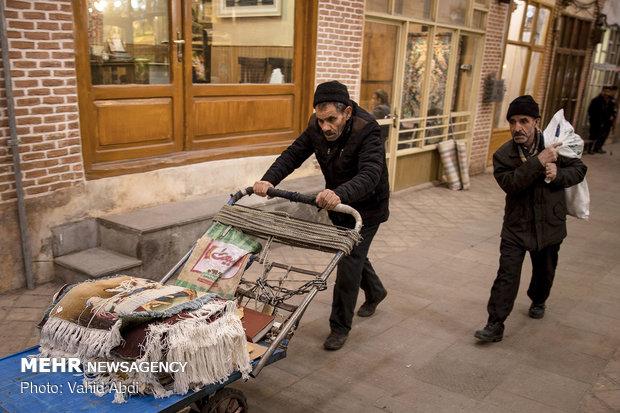 """سوق """"تبريز"""" للسجاد"""