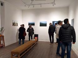 نمایشگاه عکس خیریه «کوله بار» برپاشد/سلف پرتره هایی در متن سفر