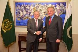 دیدار «لیندسی گراهام» با وزیر خارجه پاکستان/ مذاکرات صلح افغانستان محور گفتگوها