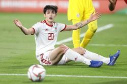 لقاء المنتخب الإيراني والعماني لكرة القدم/صور