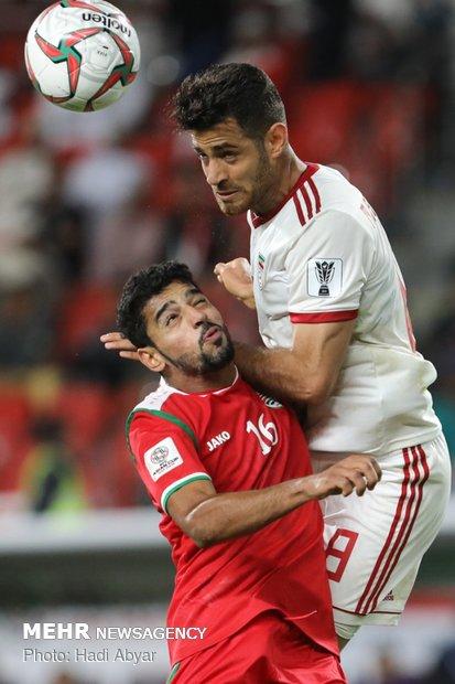 لقاء المنتخب الإيراني والعماني لكرة القدم