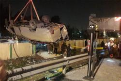 تصادف با سمند مینی بوس را واژگون کرد/۶ نفر مصدوم شدند