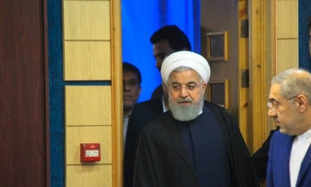 """روحاني يقوم بجولة في معرض """"التجارة والاعمال المستقبلية"""""""