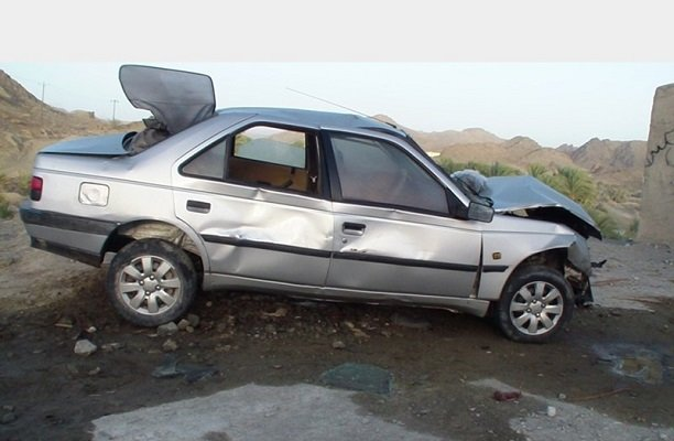 واژگونی خودرو محموله قاچاق را لو داد