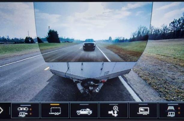 رونمایی از وانتی با ۱۵ دوربین و گیربکس ۱۰ دنده ای