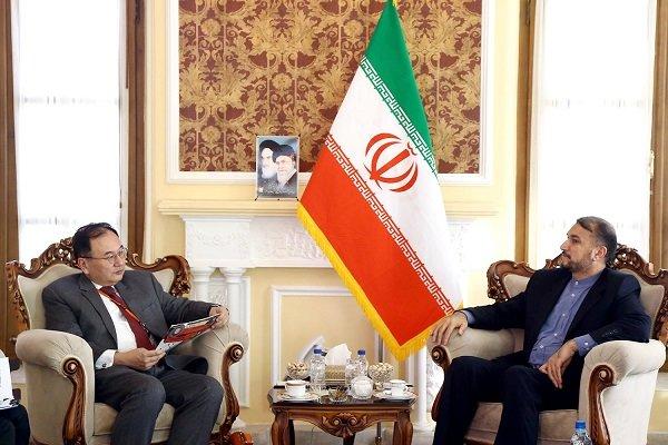 عبداللهيان: طهران وطوكيو تمتلكان إمكانيات واسعة لتوسيع علاقاتهما