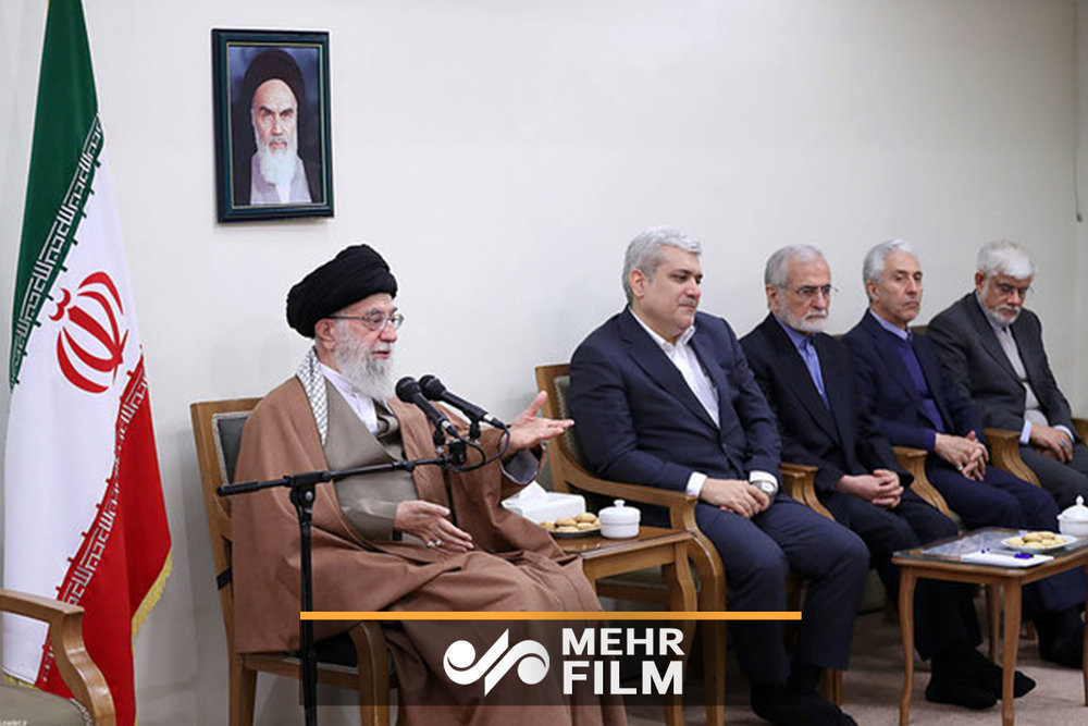 Mehr News Agency - Leader receives officials, researchers of