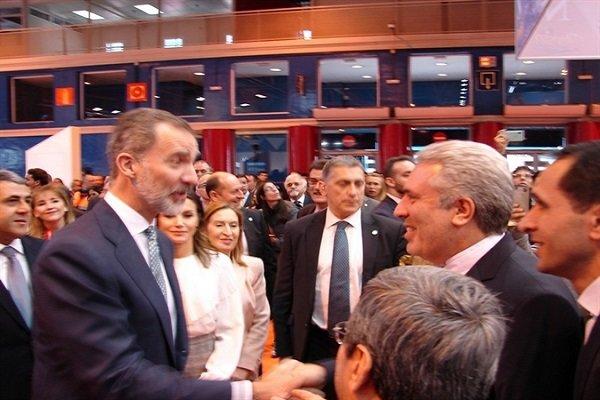 پادشاه اسپانیا در غرفه ایران/دیدار با مقامات در نمایشگاه گردشگری