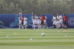 حكم استرالي يدير مباراة ايران واليابان