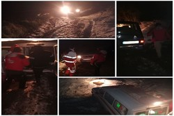 ۶ جوان گرفتار در کوه های برفی بجنورد نجات یافتند