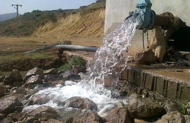 توزیع ۱۵۰کیلوگرم کلر در راستای بهبود کیفیت آب شرب روستاهای فامنین
